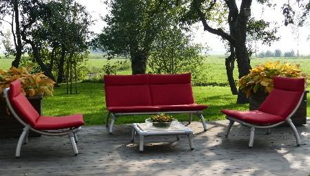 steigerbuizen meubels voor buiten in de tuin