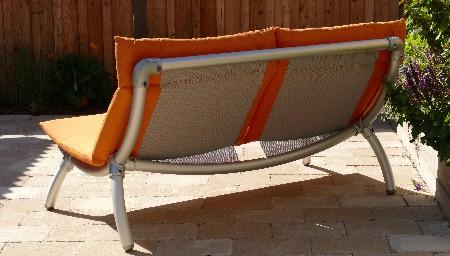 loungebank tuin achterzijde met aluminium steigerbuis
