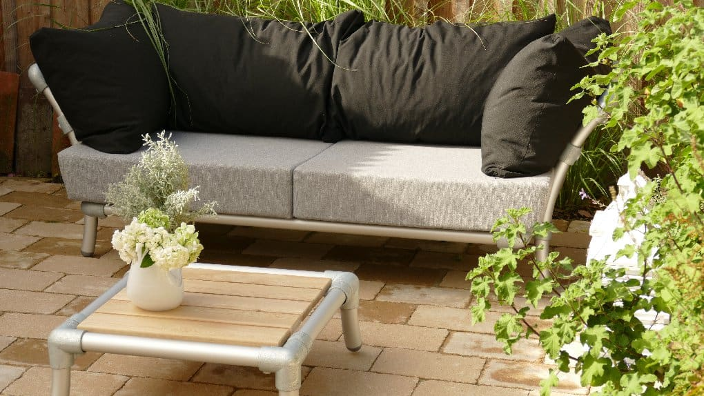 luxe tuinmeubel met loungetafelje